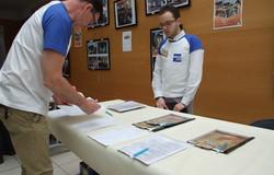 Les bénévoles accueillent les participants